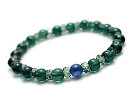 【宝石質カイヤナイト×グリーンクォーツ】ボタン型ブレスレット